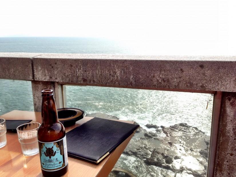 富士見亭/テラス席と相模湾