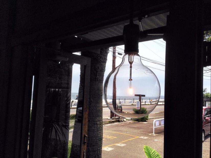 Venus Cafe/窓の景色